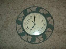Excellent Green & Black Metal Leaves Wall Clock Quartz 13