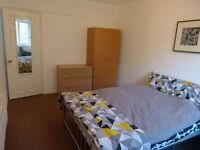 2 X Spacious double rooms to let, 1 min walk from HOMERTON Station - ALL BIlls Included