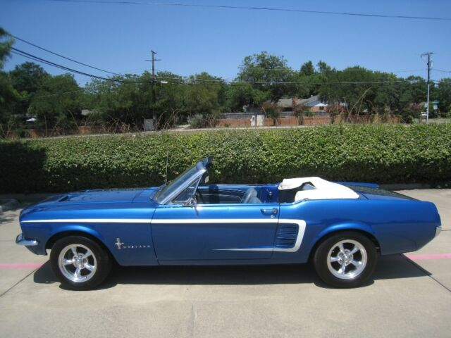 Ford : Mustang 4-speed 1967 Ford Mustang Convertible 4-speed 289 C-code