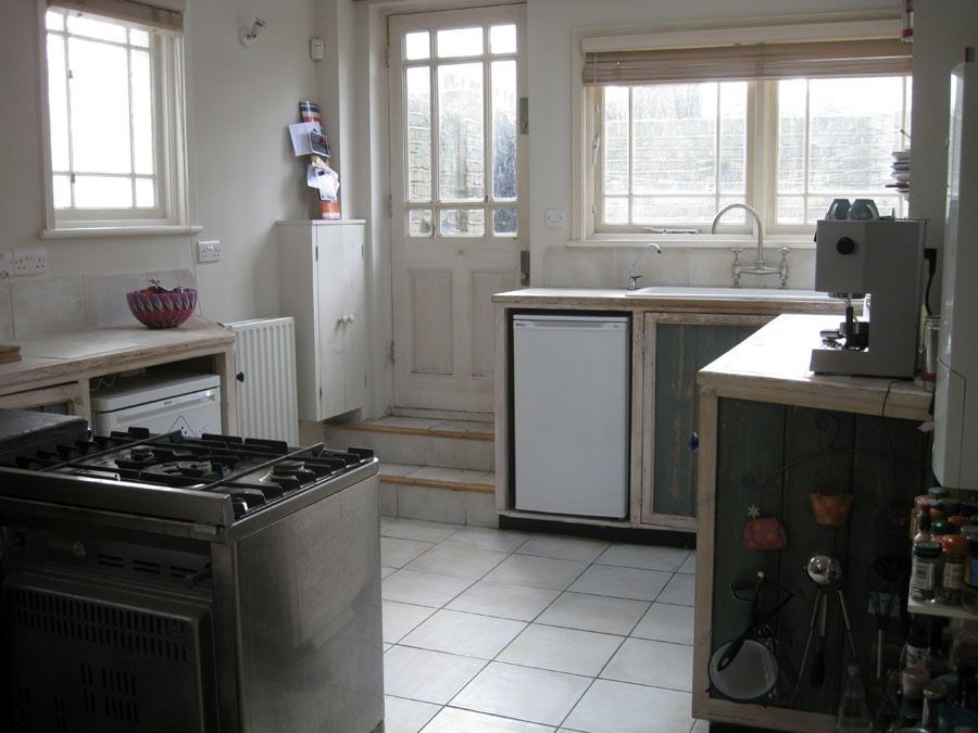 Huge 1 bedroom property near the station!