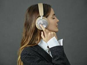 B&O PLAY Beoplay H8i Wireless Noise Cancelling Headphones Natural