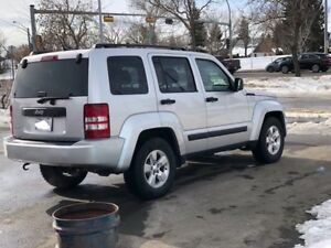 2012 JEEP LIBERTY**** LOW KMS**NO ACCIDENT