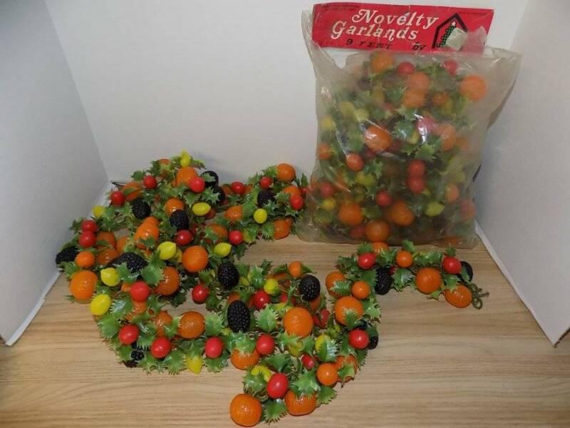 Vintage Fruit Plastic Novelty Christmas Garland
