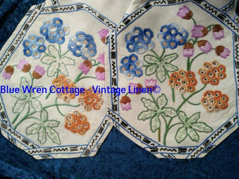 Gorgeous Primula & Bells   Vintage Hand Embroidered Runner