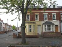 47 Rugby Avenue 5 Double Bedrooms Available Spetember £230 per room