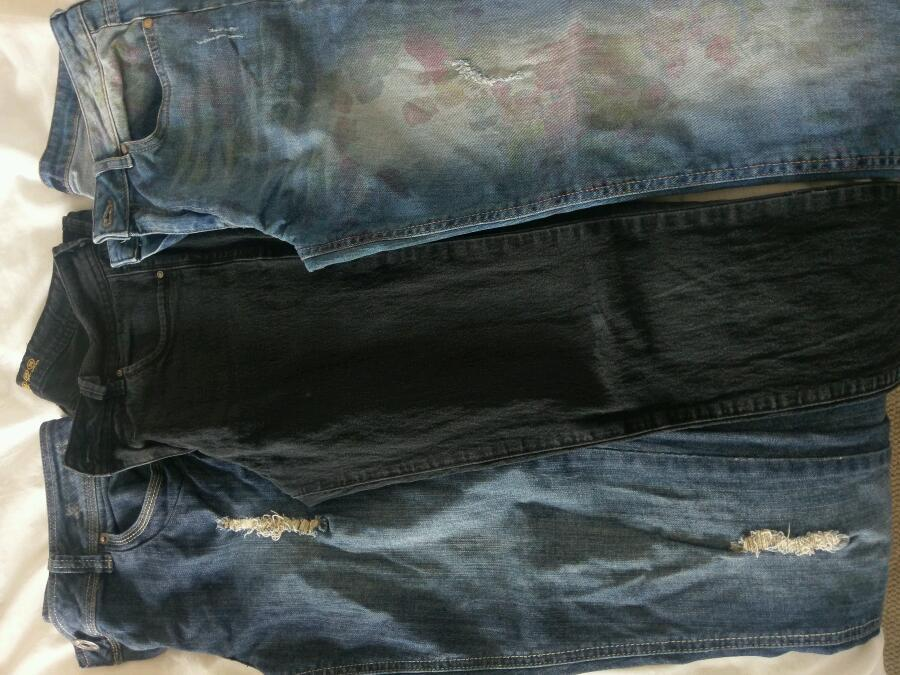 Jeans size 10in Mansfield, NottinghamshireGumtree - Jeans all size 10. All skinny jeans in excellent condition with no rips or wear to the bottom. £4 each or all 3 for £10. Collection Clipstone
