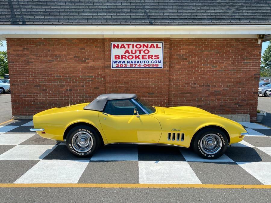 1969 Yellow Chevrolet Corvette     C3 Corvette Photo 1