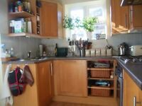 One bd ground floor flat to Rent in Guildord close to Surrey University and Tesco