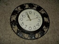 Beautiful Black Metal Clock with Gapes & Leaves 13 Quartz