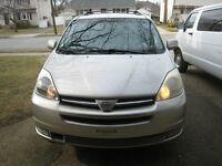2004 Toyota Sienna XLE Minivan