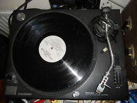 technics sl1210 mk2 turntable in very good condition