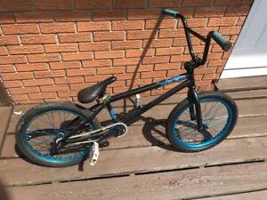 2012 verde EON  custom  220$ OBO