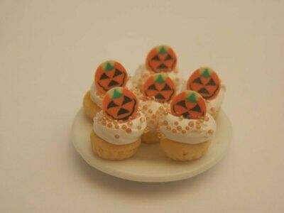 Dolls house food: Plate of Halloween pumpkin cupcakes   -By Fran
