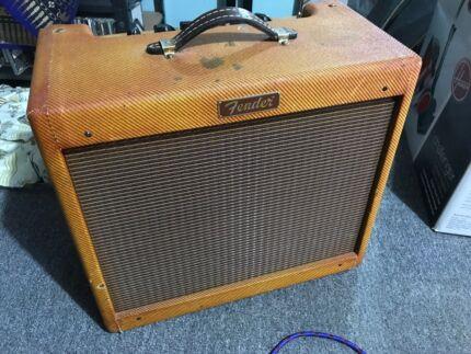 Fender blues junior amp modded ruby tubes reverb tank celestion G