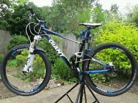 Giant anthem mountain bike