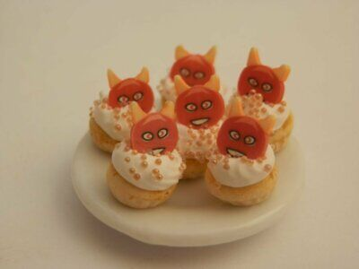 Dolls house food: Plate of halloween red devil  cupcakes  -By Fran