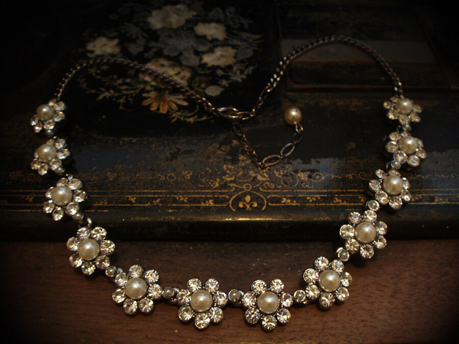 How to Buy a Butler & Wilson Necklace