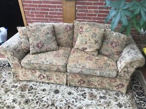 Beautiful, Super Comfortable Floral 3 Seater Couch