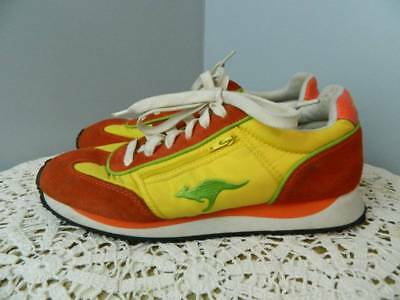 VTG Men's Kangaroo orange yellow tennis shoes size 10