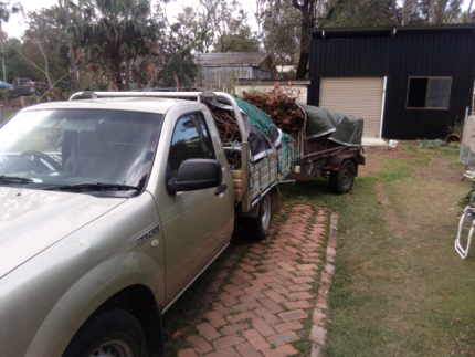 Man and ute for delivery, pickup and rubbish removal