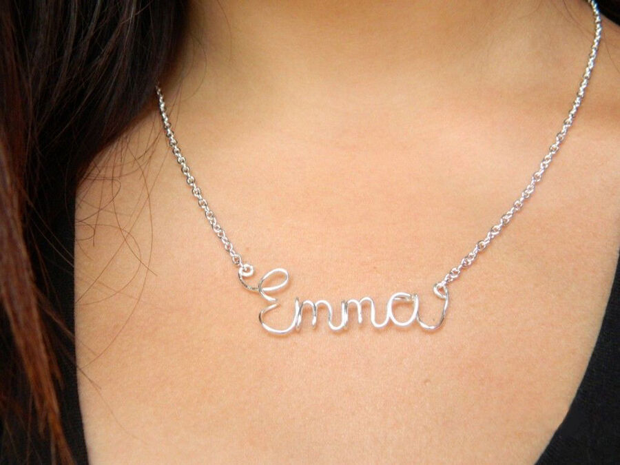 Top Considerations When Choosing a Personalised Necklace