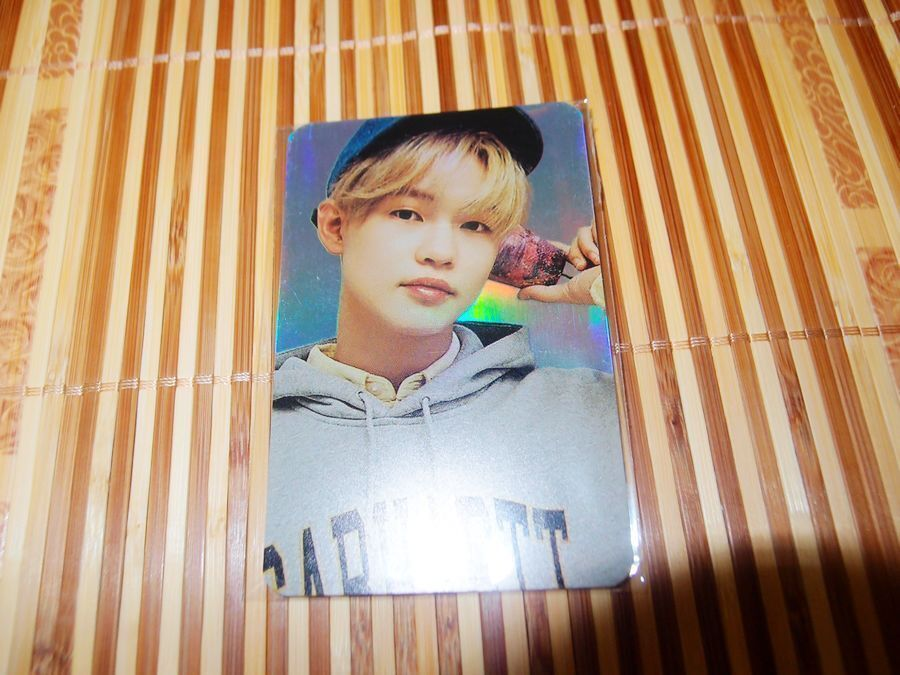 NCT OFFICIAL 2018 HOLOGRAM PHOTOCARD winwin jaehyun Jeno lucas doyoung jungwoo