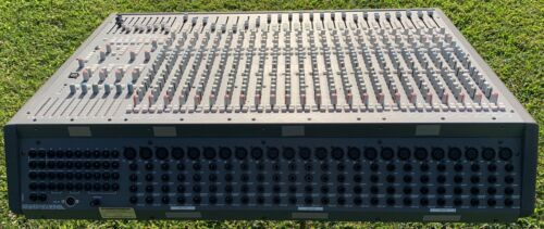 Soundtracs Topaz project 8 Mixing consol Great condition