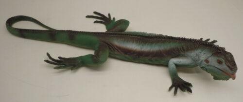 """Vintage TM 26"""" Large Realistic Life Like Plastic Iguana Lizard 1999"""