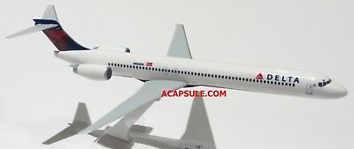 Flight Miniatures Delta Airlines Md 90 1 200 Scale Model   Stand Delta On Belly