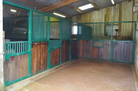 Monarch Stabling, 2 x large boxes, 2 x small boxes.
