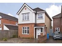3 bedroom house in Queens Road, Poole, BH14 (3 bed)