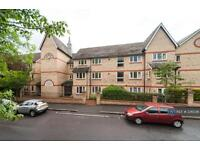 2 bedroom flat in New Jubilee Court, Woodford Green Essex, IG8 (2 bed)