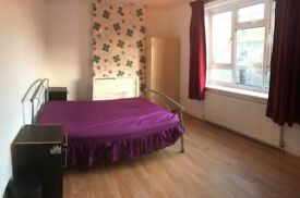 TWIN/DOUBLE ROOM AVAILABLE now - in Bow