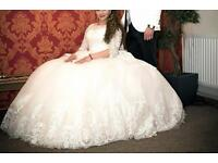 Amazing wedding dress (princess)