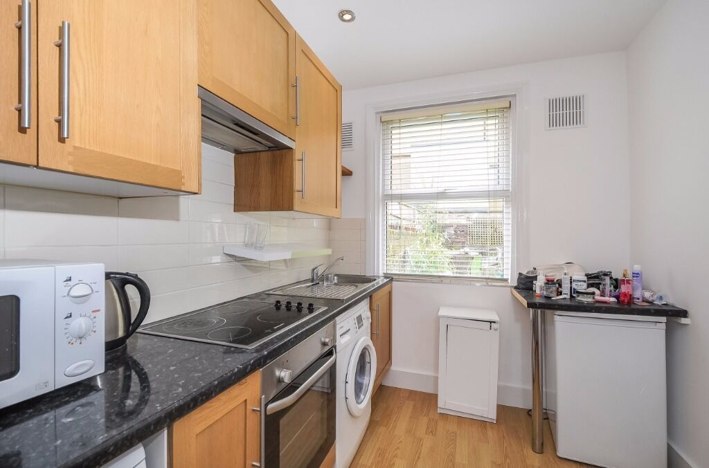 Self-contained studio to rent in the heart of West Hampstead