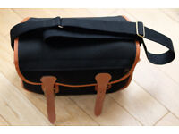 Vintage BILLINGHAM camera bag in black, trimmed in tan leather POST PAID