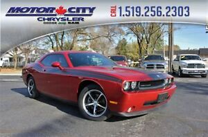 2010 Dodge Challenger SE/SXT Low K's Sun Roof Heated Leather Sea Windsor Region Ontario image 1