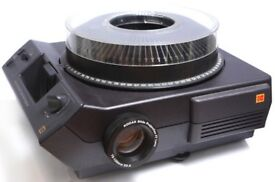 XMAS - KODAK Ektalite 500 Projector, 75-120mm Lens, + 2xTrays, User manual, Remote, Hard carry case