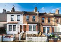 2 bedroom house in Swingate Lane, London, SE18 (2 bed)