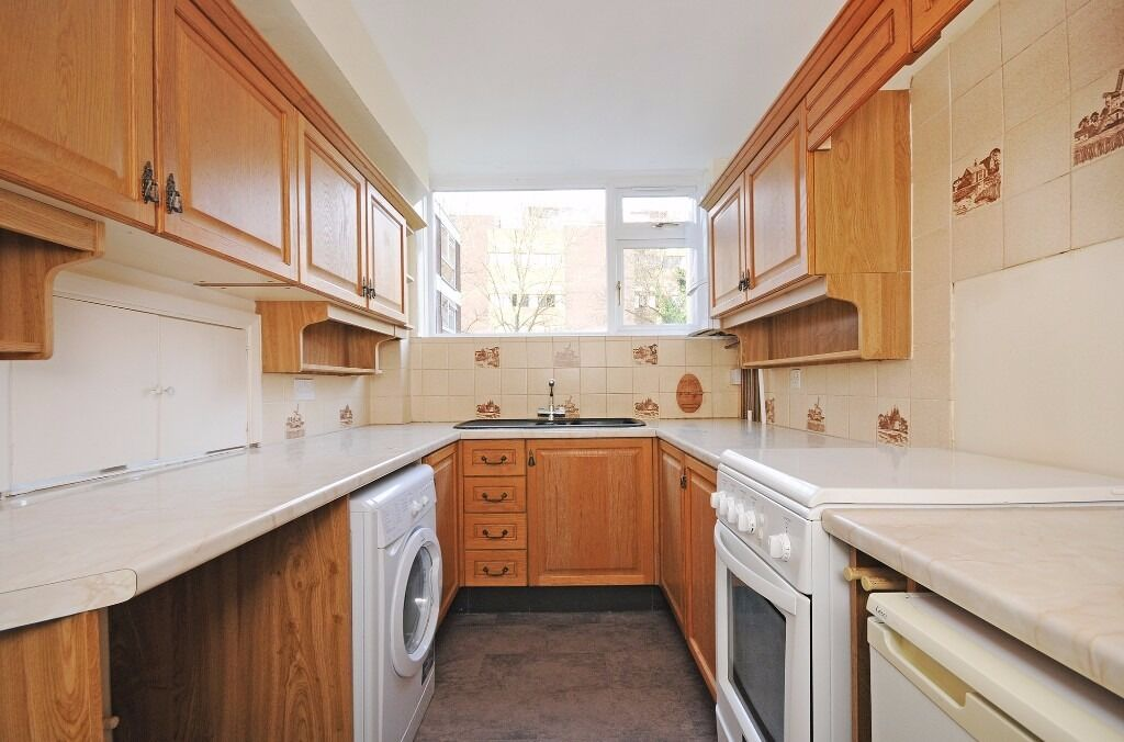 TWO DOUBLE BEDROOM FLAT TO RENT LOCATED IN WEST LONDON EALING AVAILABLE NOW FURNISHED OR UNFURNISHED