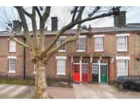 2 bedroom flat in Burns Road, London, SW11 (2 bed)