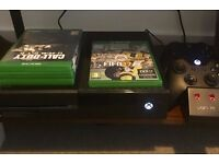 Xbox One 500GB + 4 Games - FIFA 2017, Destiny, TitanFall, COD - 2 controllers - Charging Dock