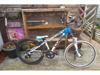 Cube 240 cross age 11-14 mountain bike £200