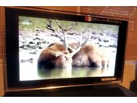 """Sony 40"""" Full HD 1080p LCD screen £125.00. 6 MONTH WARRANTY - complete with remote control."""