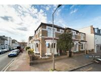 3 bedroom house in Webbs Road, London, SW11 (3 bed)