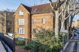 2 bedroom flat in Mornington Avenue, London, W14 (2 bed) (#1138452)