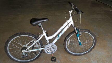 Girls Bike 24-inch wheels