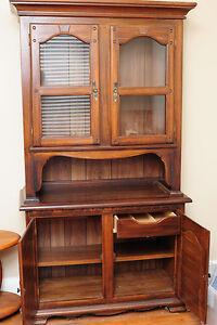 Wooden Oak China Cabinet with Interior Drawer Kitchener / Waterloo Kitchener Area image 3