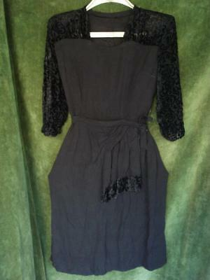 1940's WW2 FASHION VINTAGE BLACK SILK NIGHT GOWN DRESS