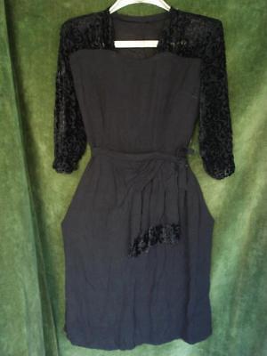 1940's WW2 FASHION VINTAGE BLACK SILK NIGHT GOWN DRESS